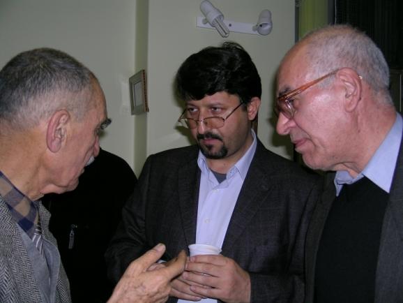 از سمت راست مهندس محمدحسین اسلام پناه، اکبر ایرانی و استاد ایرج افشار