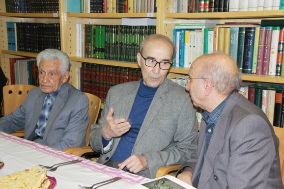 دکتر علیاشرف صادقی، استاد احمد سمیعی گیلانی