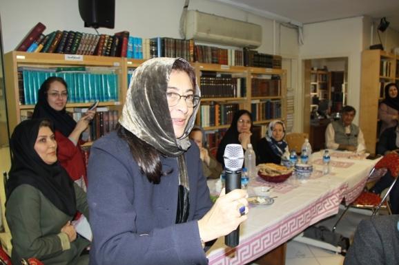 خانم دکتر الهه خیراندیش (استاد دانشگاه هاروارد)