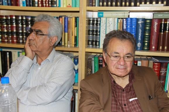 از راست: علی رواقی و جواد محمدی خمک