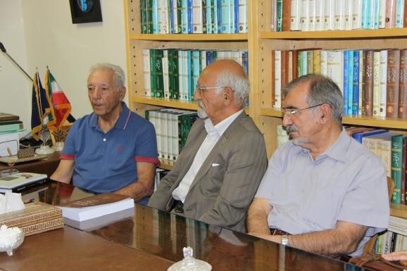 از راست: سید علی موسوی گرمارودی، غلامرضا جمشیدنژاد اول و آذرتاش آذرنوش