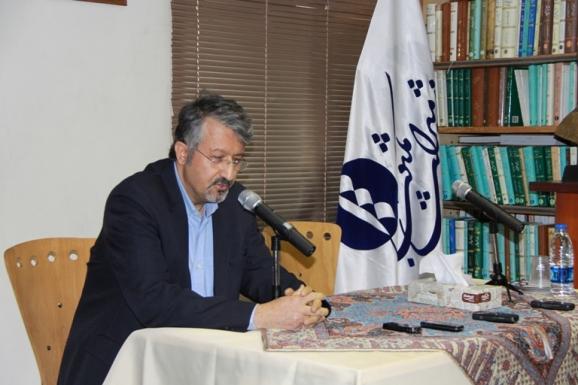 اکبر ایرانی - مدیرعامل مؤسسۀ پژوهشی میراث مکتوب