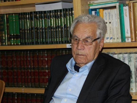 یوسف ثبوتی، رییس مرکز تحصیلات تکمیلی علوم پایۀ زنجان