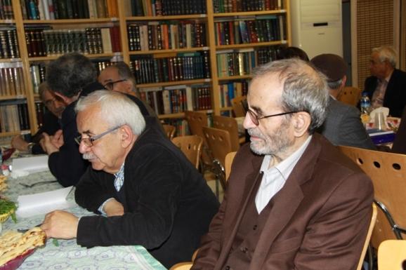 از  راست: نجفقلی حبیبی، مصحح و پژوهشگر متون فلسفی و غلامحسین معصومی همدانی، سردبیر مجلۀ تاریخ علم