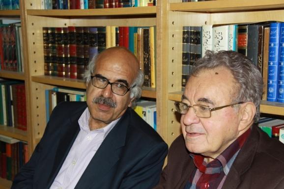 از سمت راست دکتر علی رواقی و سید علی آل داوود