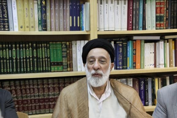 آیت الله سید هادی خامنه ای - رییس پژوهشکده تاریخ اسلام و ایران