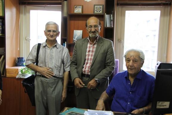 از راست: دکتر آذرتاش آذرنوش، دکتر غلامرضا جمشیدنژاد اول و دکتر ابوالقاسم امامی