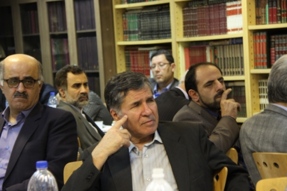 محمدجعفر یاحقی - عضو هیأت علمی دانشگاه فردوسی مشهد